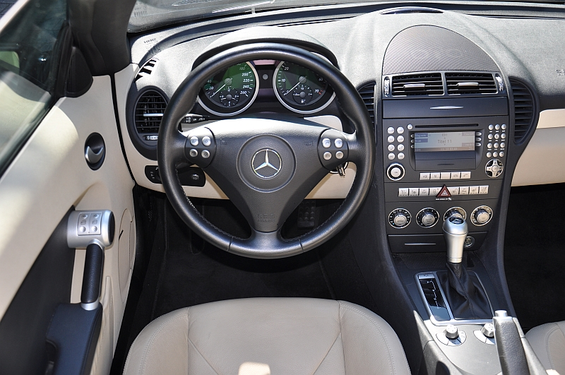 2006 mercedes benz slk 350 kark classics for Mercedes benz replacement parts for the interior